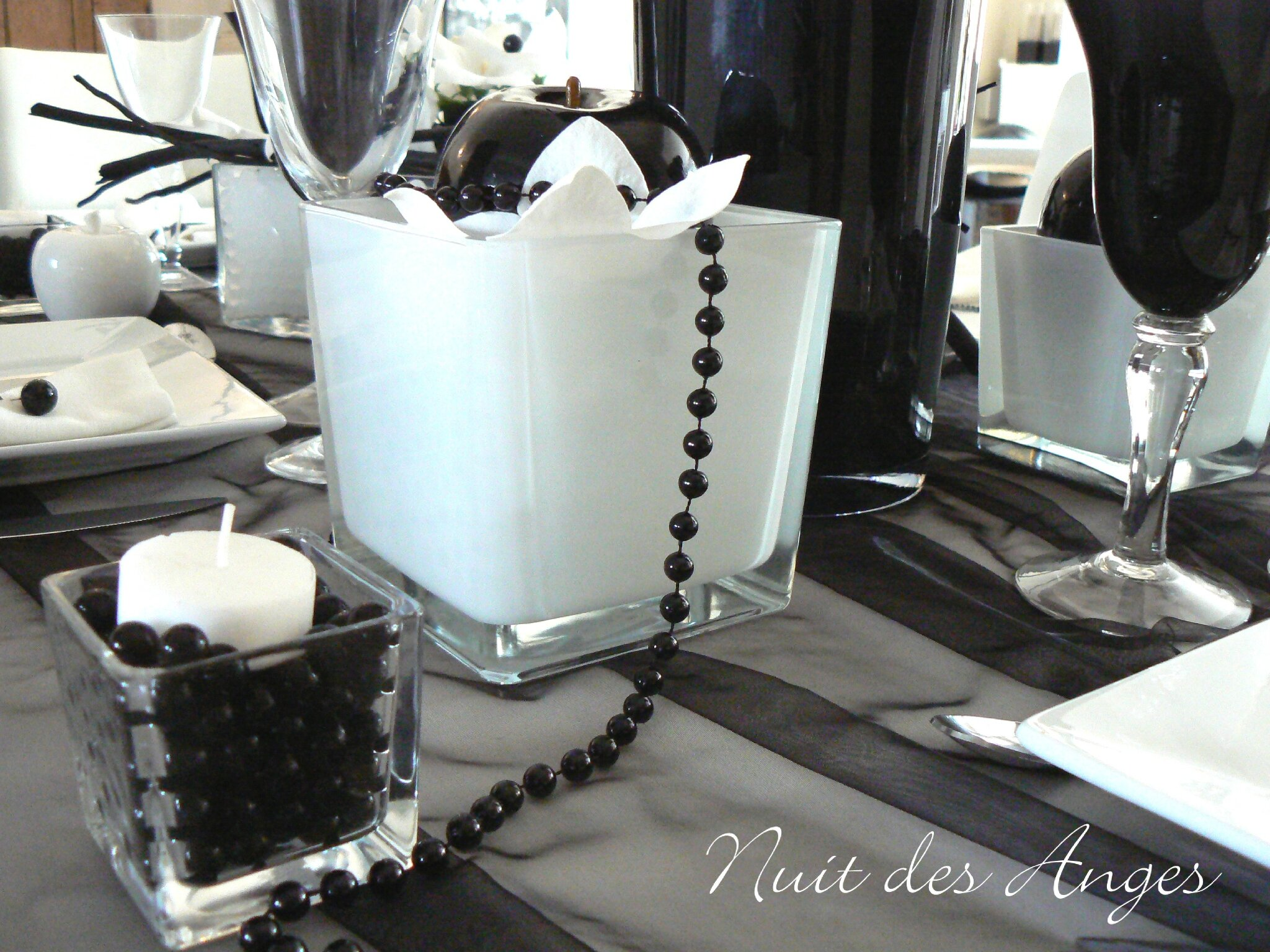 nuit des anges d coratrice de mariage d coration de table noir et blanc 011 photo de. Black Bedroom Furniture Sets. Home Design Ideas