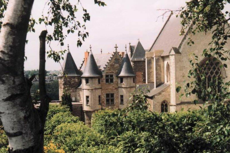 La chapelle et le logis royal