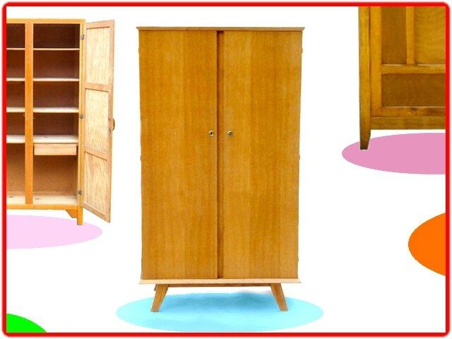 penderie vintage pieds compas 1960 vendue meubles et d coration vintage design scandinave. Black Bedroom Furniture Sets. Home Design Ideas