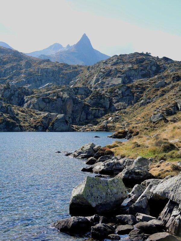 Lac de la Glère, bords de lac et Campanal de Larrens (65)