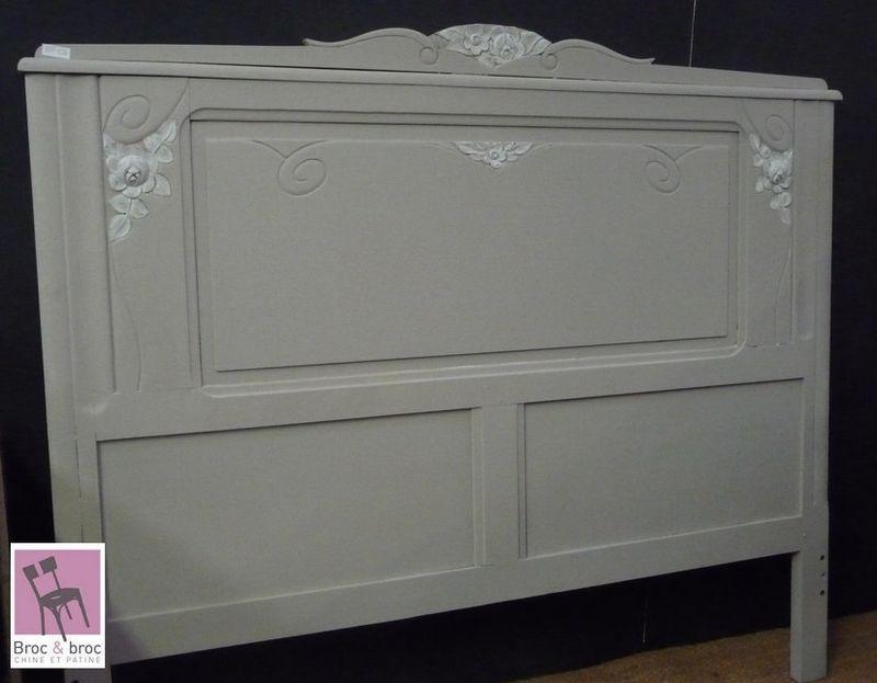 un lit ancien broc broc. Black Bedroom Furniture Sets. Home Design Ideas
