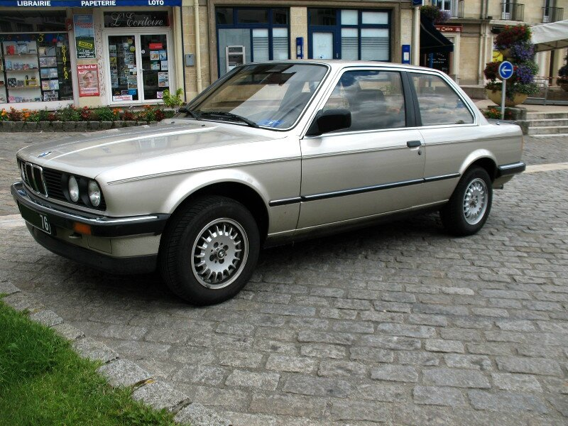 BMW320iE303pav1