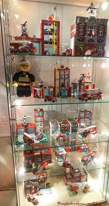 LBM L vitrine pompiers