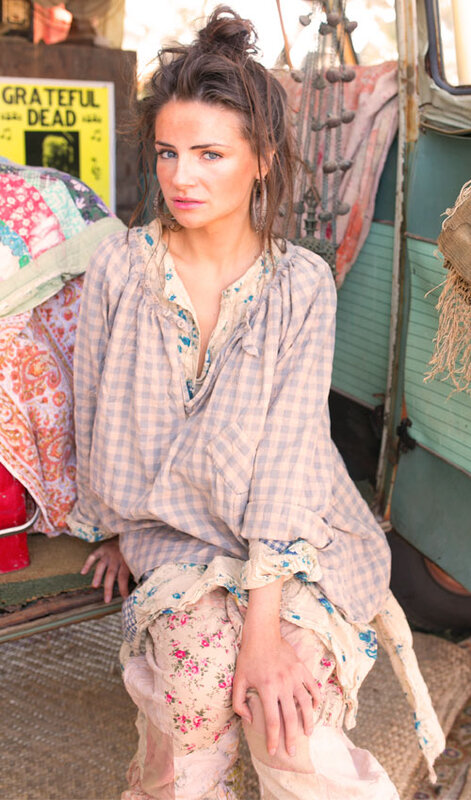 MP french-cotton-checked-top-shirt-with-buttoned-keyhole-neckli-carreaux bleu.02.jpg