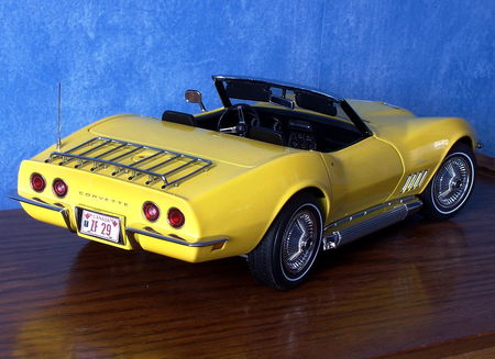 CHEVROLET_Corvette_Stingray_Convertible___1969_par_AUTOart__118___4_