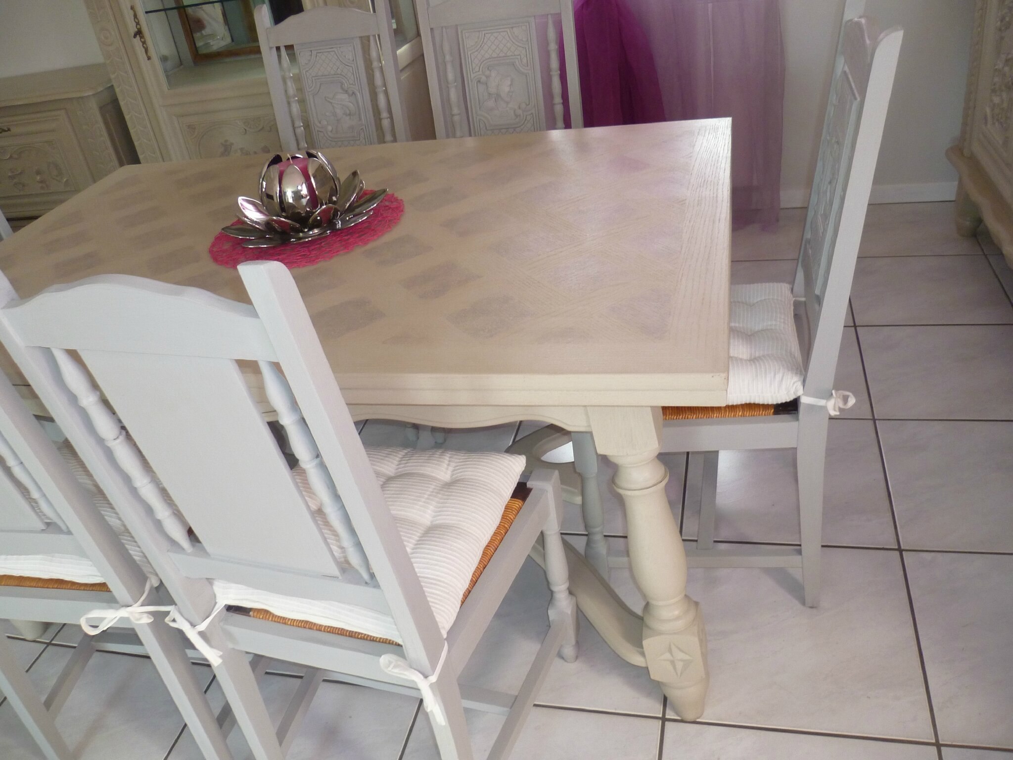 ceruser un meuble en merisier comment peindre un meuble vernis beige verre peindre table de. Black Bedroom Furniture Sets. Home Design Ideas