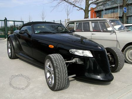 Plymouth prowler 1997 a 1999 salon champenois du véhicule de collection de Reims 2011 1