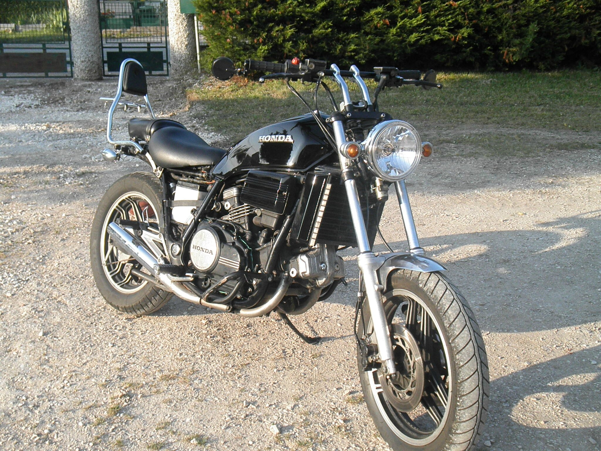 HONDA 750 VF-S Customised -Terminée