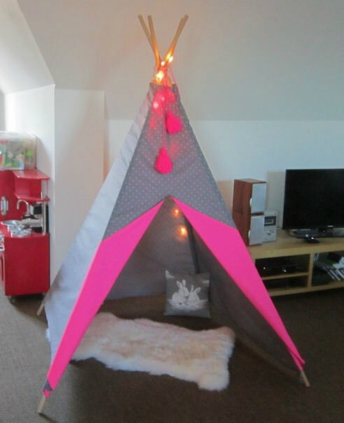 tipi fluo la jolie boite rose. Black Bedroom Furniture Sets. Home Design Ideas