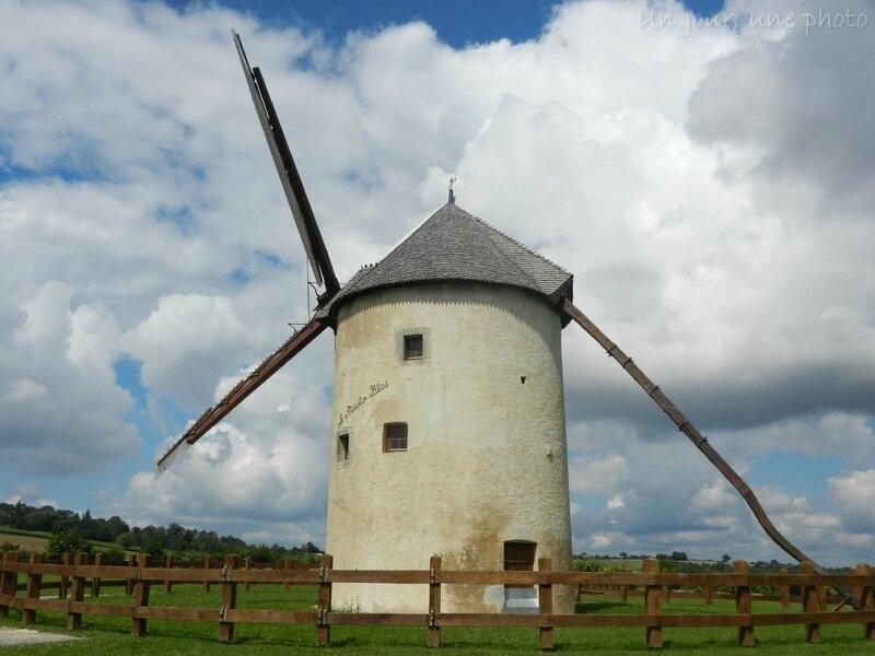 && Bouhy Le moulin Blat