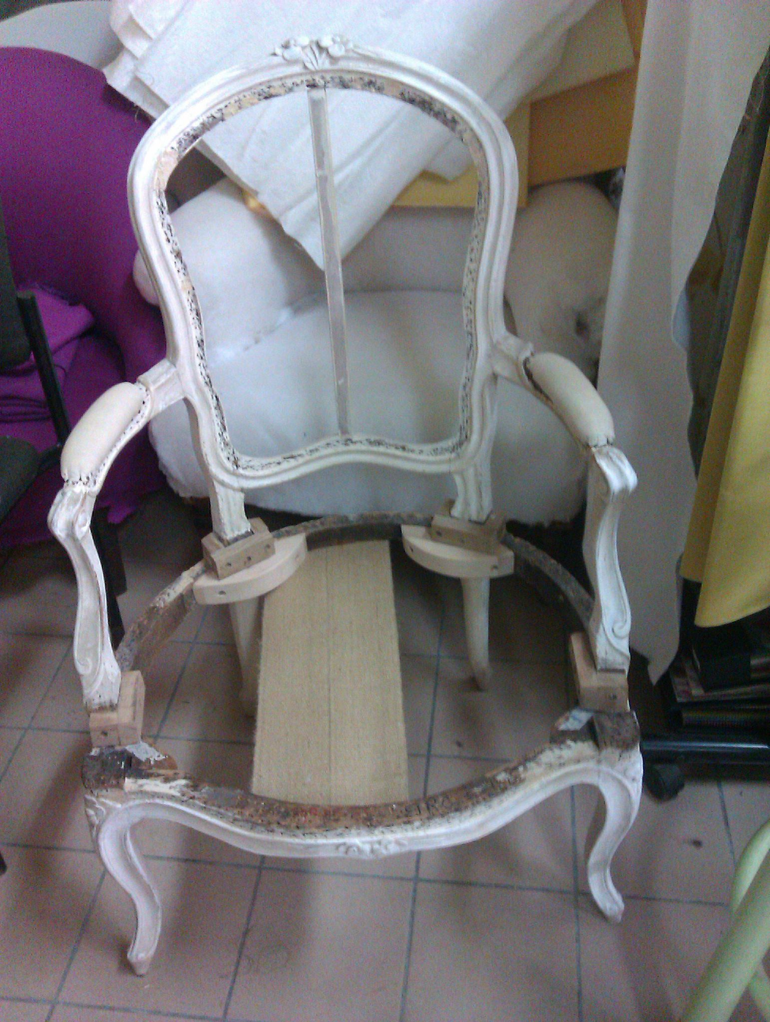 Fauteuil louis xv et salon louis xvi avant apr s cottage et patine le blog - Customiser un fauteuil ...