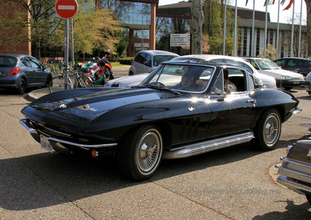 Chevrolet_corvette_sting_ray_coupe__1965_1966__Retrorencard_avril_2011__01