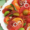 La salade colorée (et goûteuse) de tomates anciennes