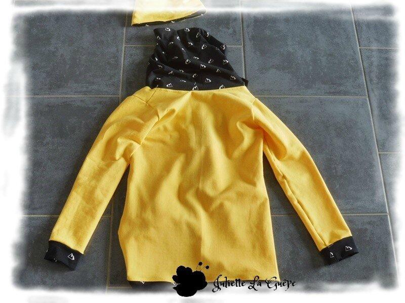 Cassy, Seattle Beanie et guêtres jaune et noir9