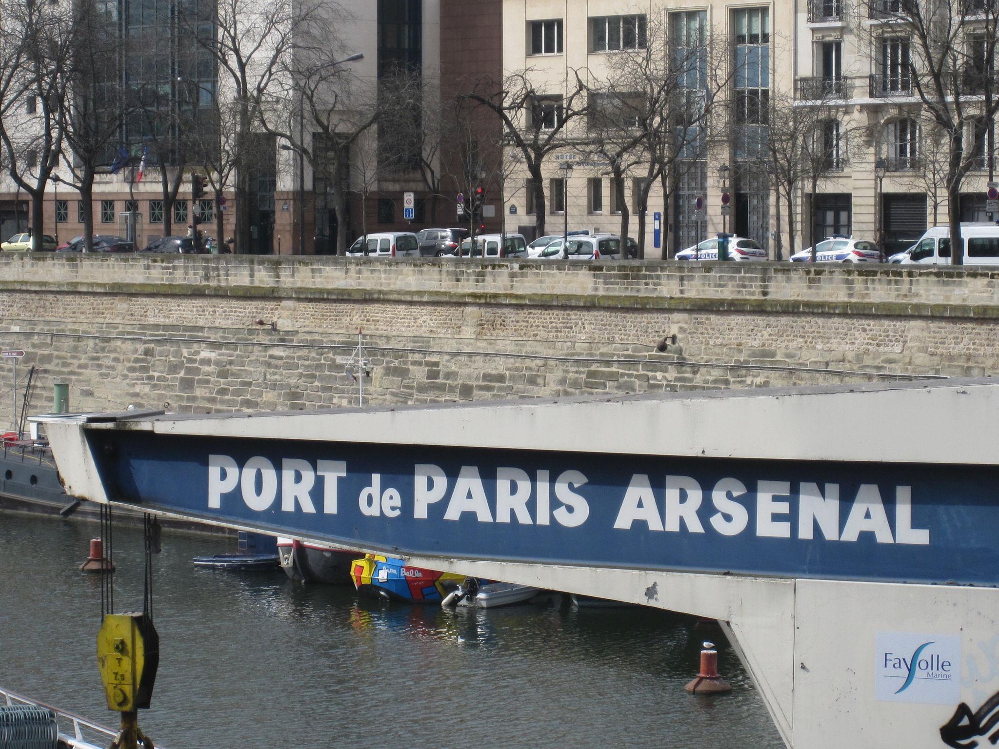 Port de l 39 arsenal de paris youpy joie de partager - Port de l arsenal bastille ...