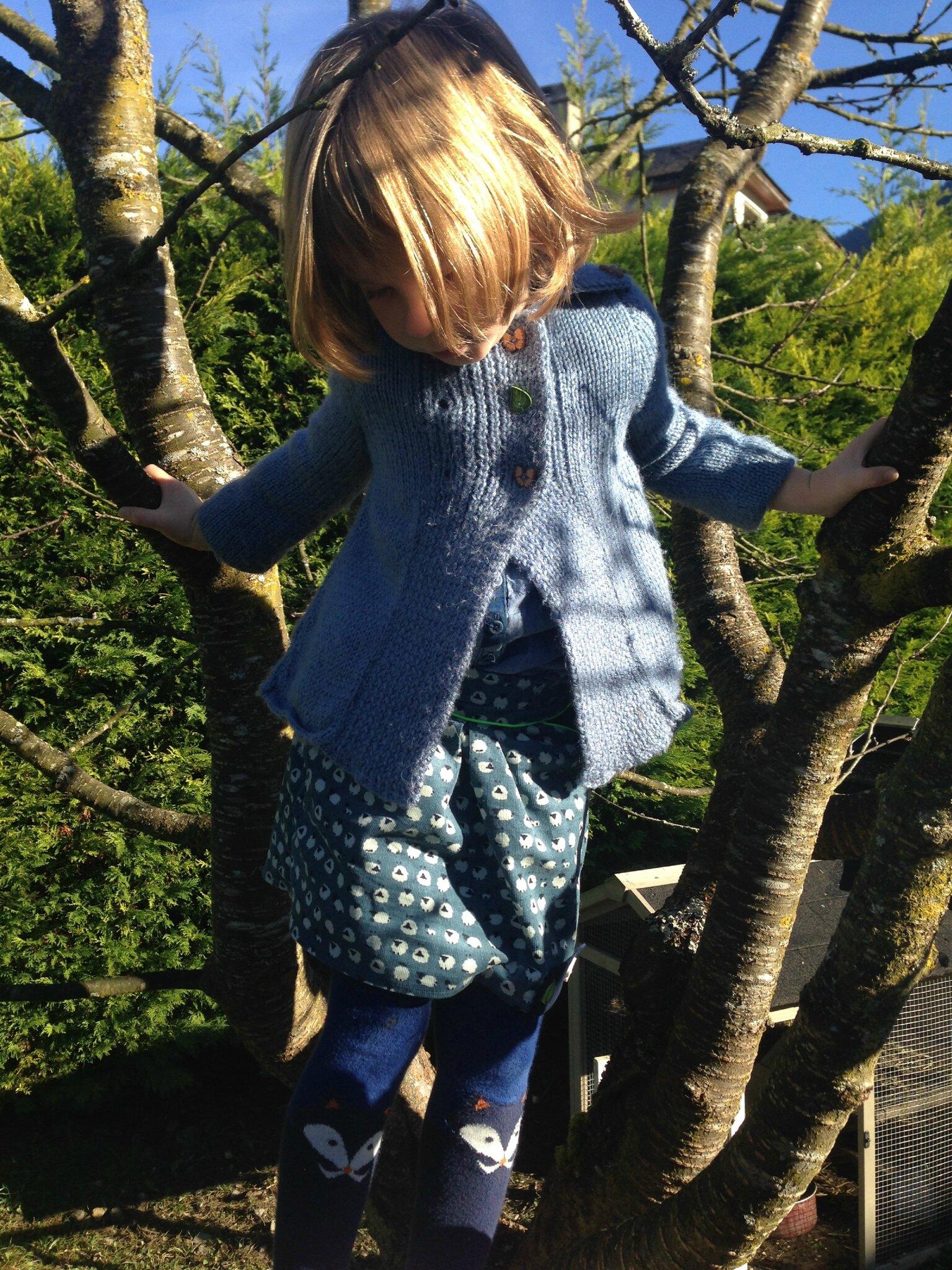En tout cas, validée pour grimper à l'arbre !