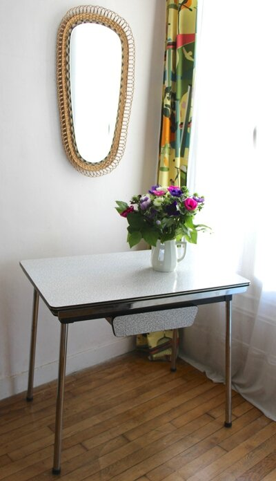 table-formica-vintage