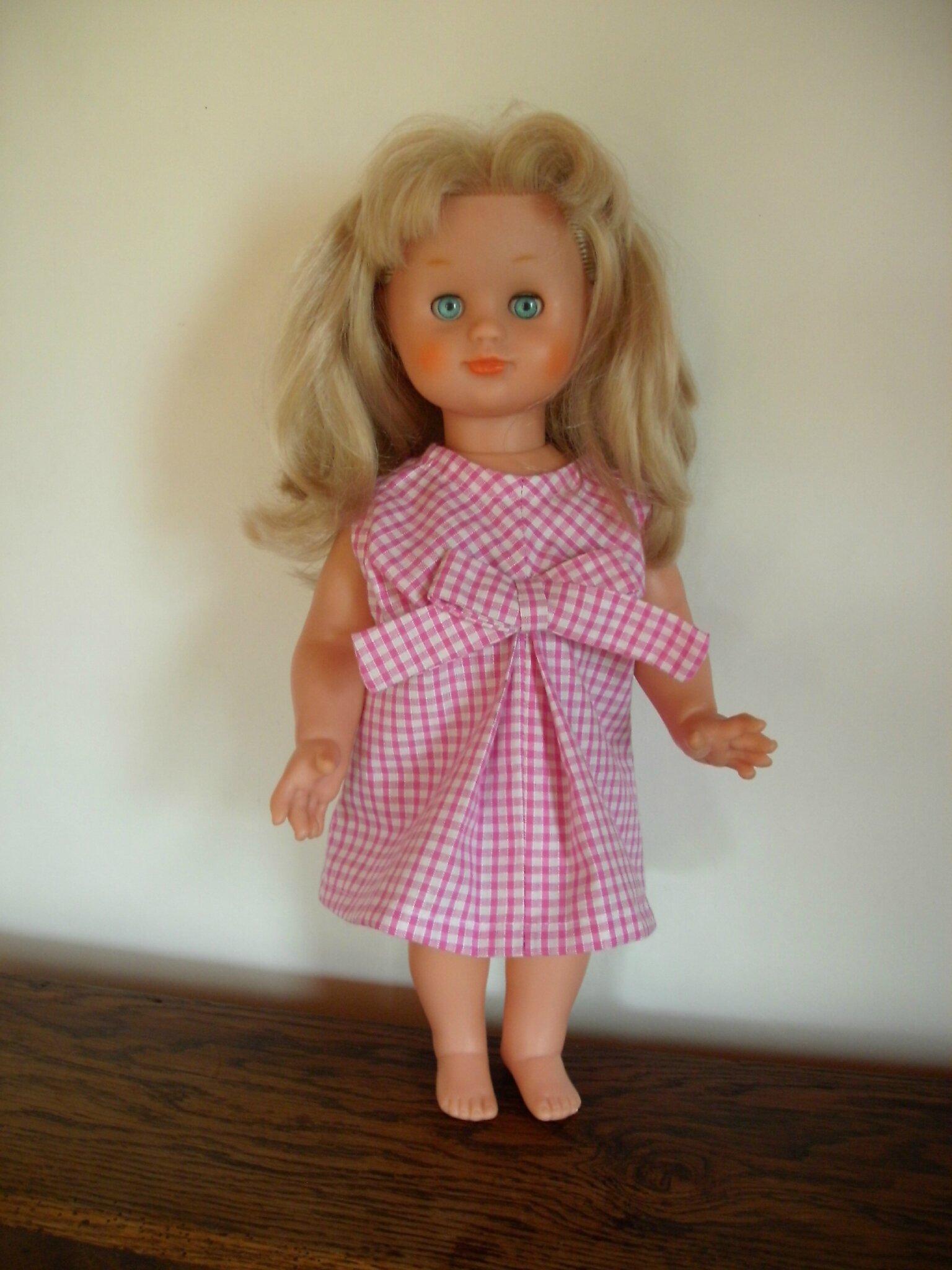 Emilie ou la poupée Modes et travaux