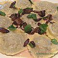 Ravioles de canard et pleurotes, sauce foie gras