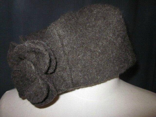 Chapeau AGATHE en laine bouillie kaki avec fleur - Doublure de coton plumettes vert - taille 58 (3)
