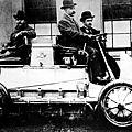 1901 - ferdinand porsche invente la première 4x4 hybride