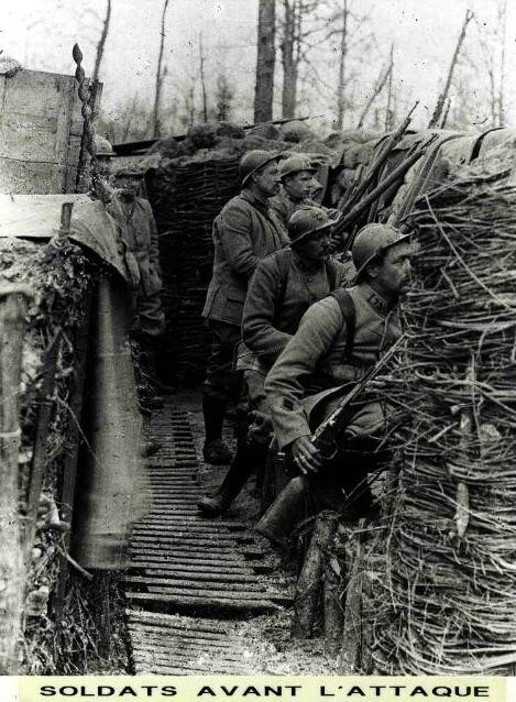 Soldats dans une tranchée