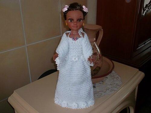 Kim en robe de mariée inspirée du modèle 1 (d'Odile & Moi )
