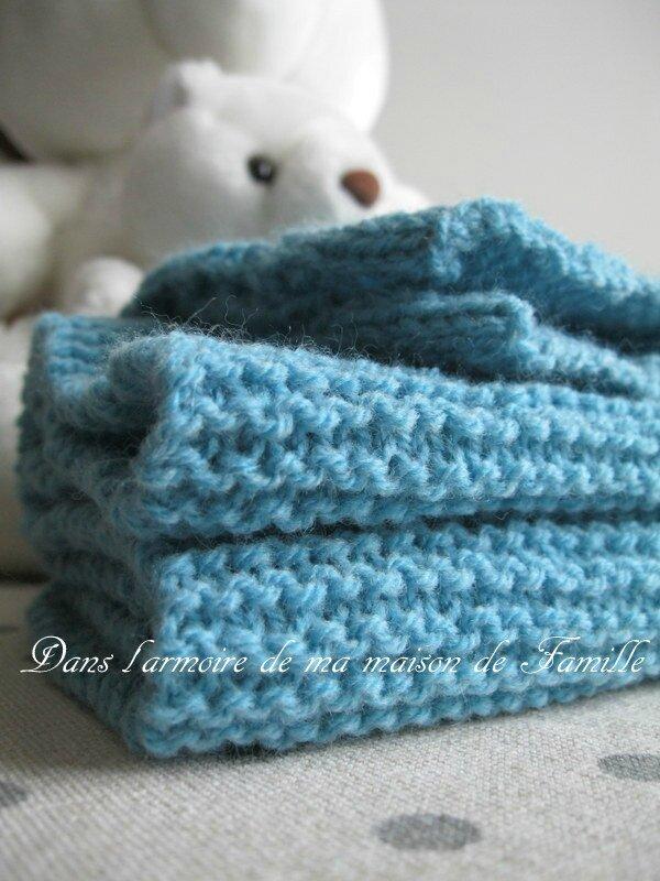 Collection tricot enfant et b b l 39 charpe bleu au point mousse pour petit gars dans l - Broderie sur tricot point mousse ...