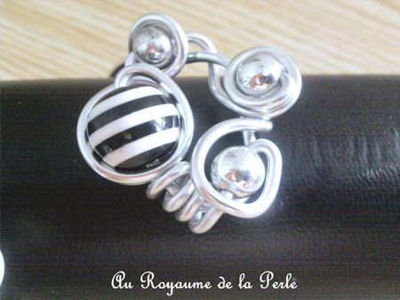 Bracelet alu noir et blanc détail 3a