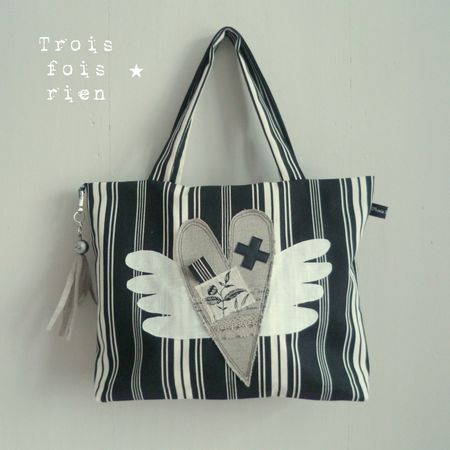 sac___main_coeur_ail__toile___matelas_noir__1_