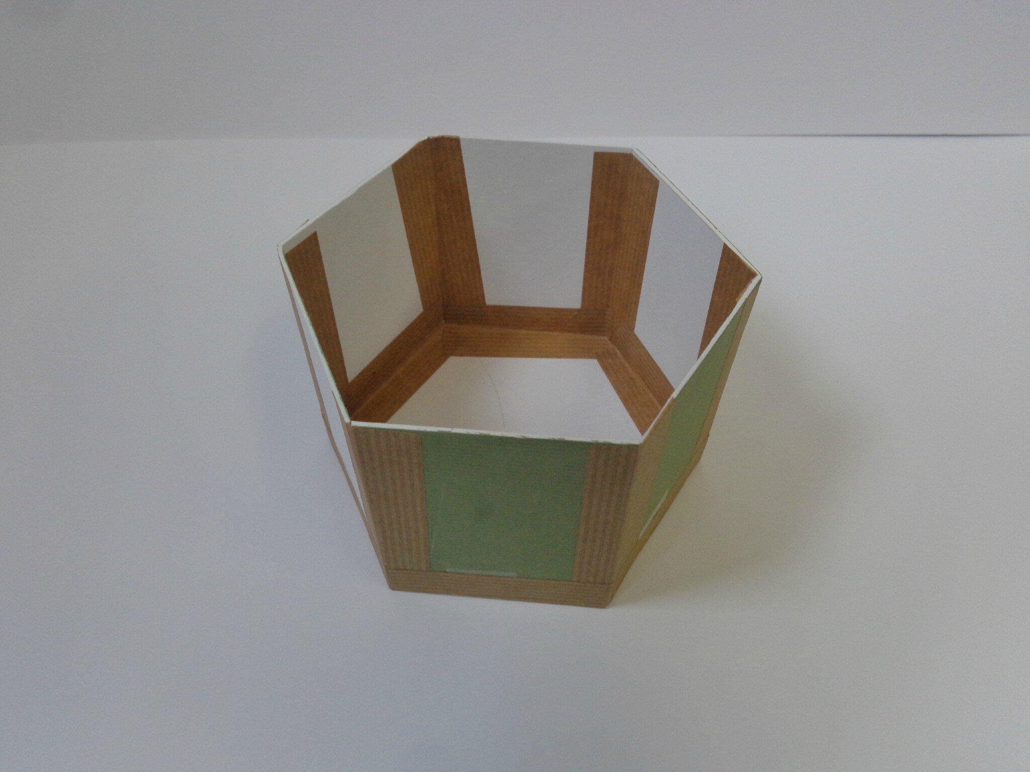 boite hexagonale couvercle d me les cr ations d co de. Black Bedroom Furniture Sets. Home Design Ideas