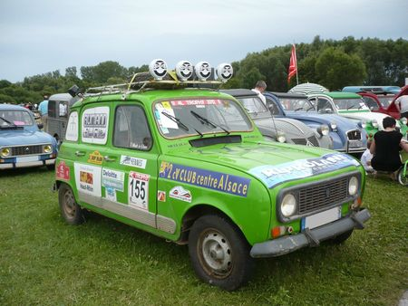 renault 4 gtl 4l trophy 2012 vroom vroom. Black Bedroom Furniture Sets. Home Design Ideas