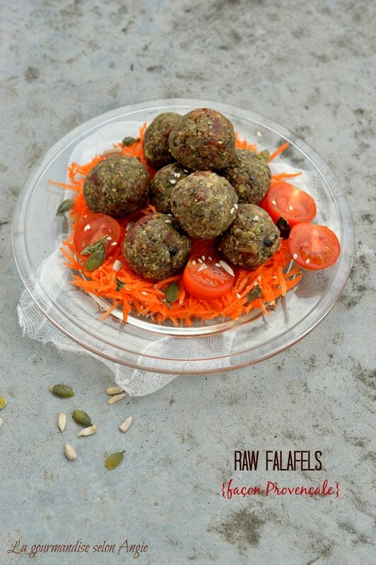 raw falafels (falafels crus) façon Provençale (tomates-olives) vegan 1