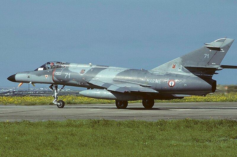 Dassault_Super_Etendard,_France_-_Navy_AN1325430