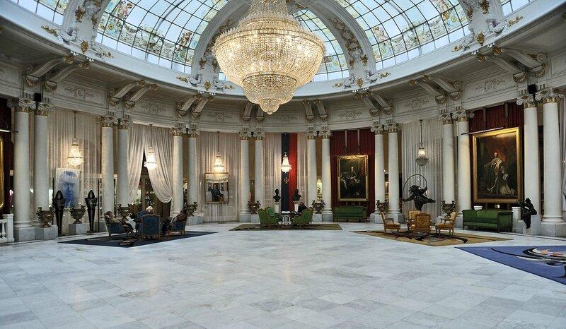 1280px-Nice_Hotel_Negresco_hall_central