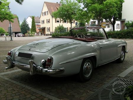 Mercedes Benz 190 sl roadster 1954 1963 Internationales Oldtimertreffen de Gundelfingen 2011 2