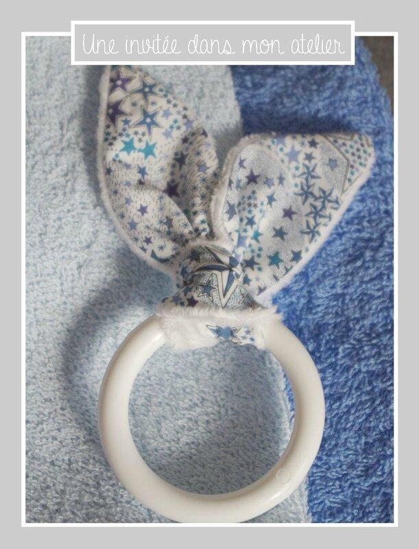cadeau de pâques- éponge-hochet lapin-Liberty-adelajda bleu