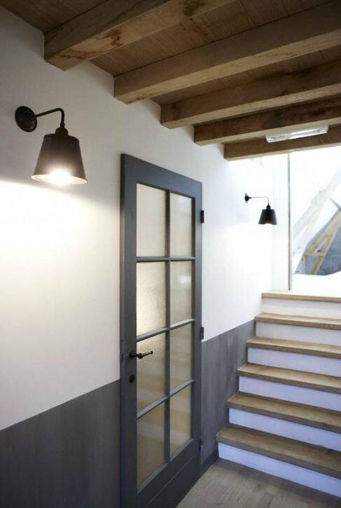 Un palier de franchi la maison en aveyron for Peinture porte interieure gris anthracite