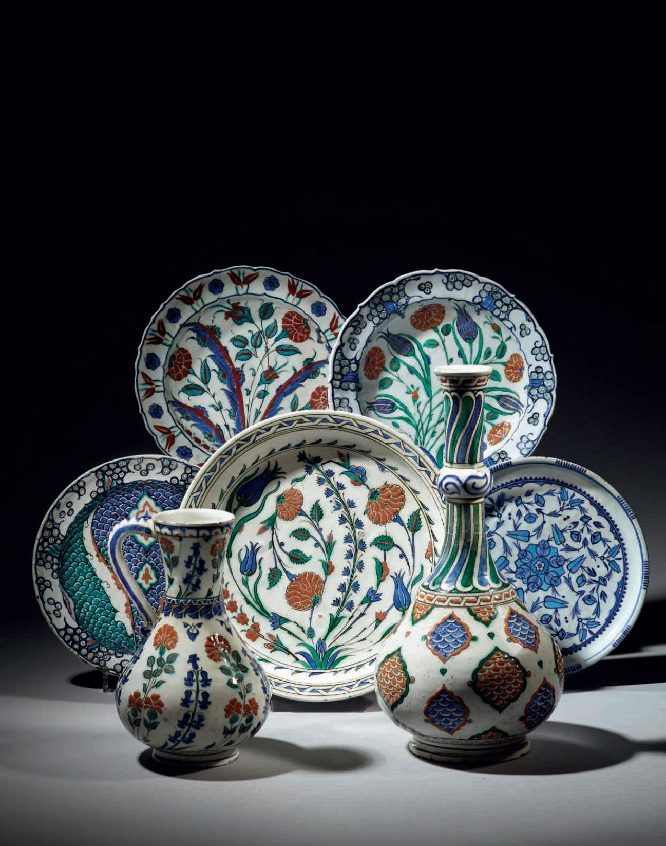 Dix pièces d'Iznik, Turquie ottomane de la Collection Joseph Soustiel chez Christie's Paris, 6 Mai 2015