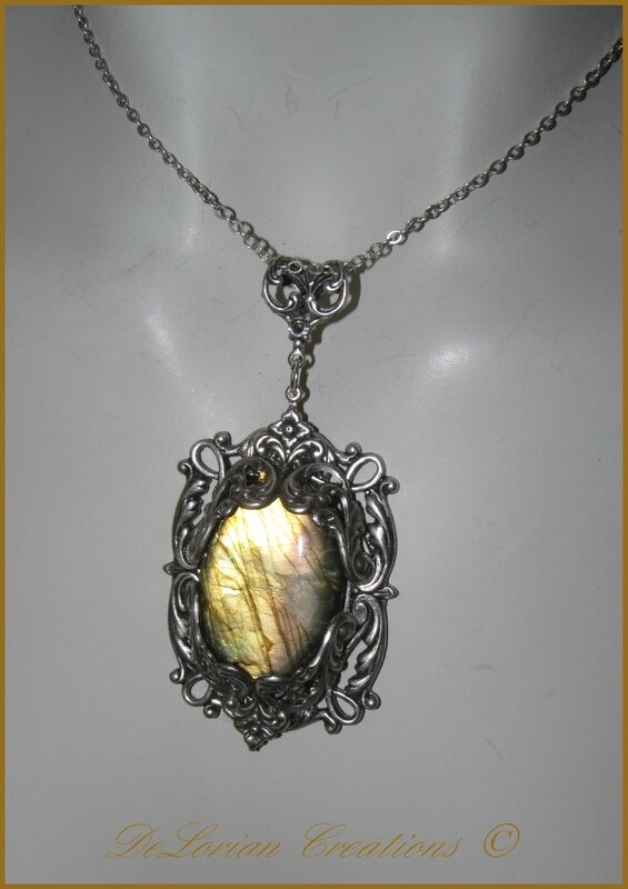 pendentif horcrux bijou elfique labradorite medieval. Black Bedroom Furniture Sets. Home Design Ideas