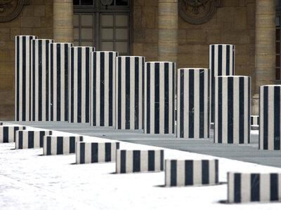 Les-colonnes-de-Buren-ont-pris-un-coup-de-jeune