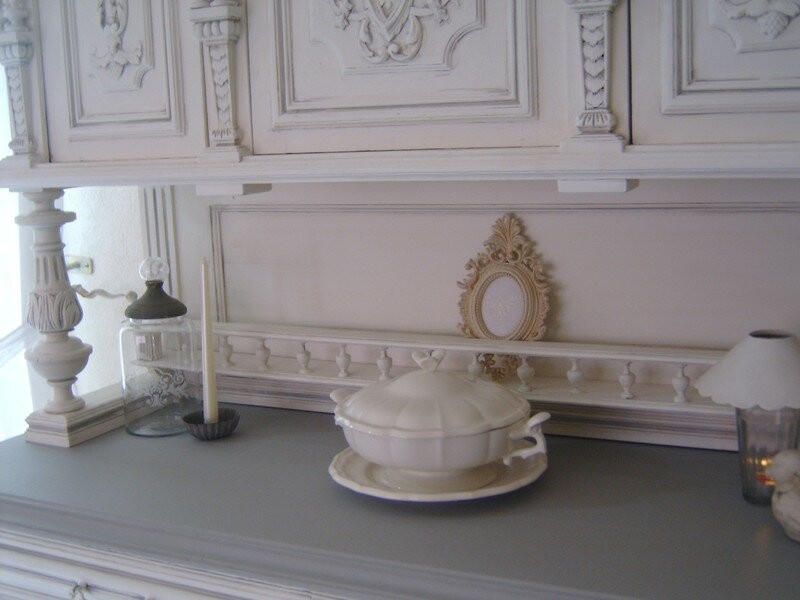 Buffet henri ii en cours de transformation perle rose for Lions du meuble