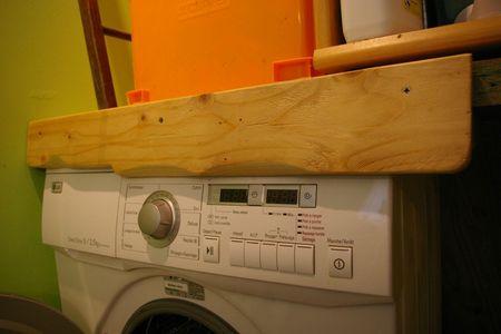 Un retient lave linge pour la buanderie les poissons bricoleurs - Table a langer pour machine a laver ...