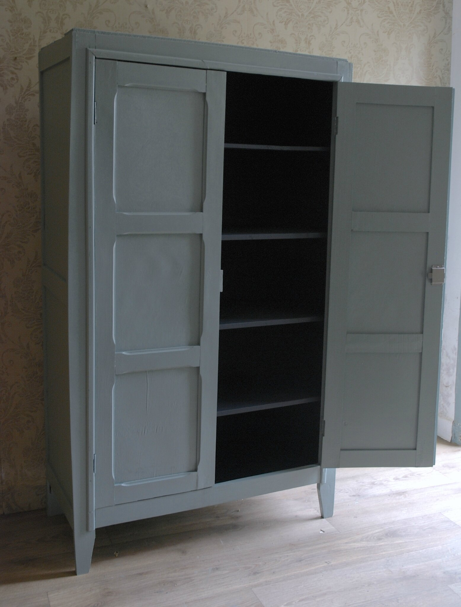 comment restaurer une armoire ancienne commode arbalte relooke avant aprs with comment. Black Bedroom Furniture Sets. Home Design Ideas