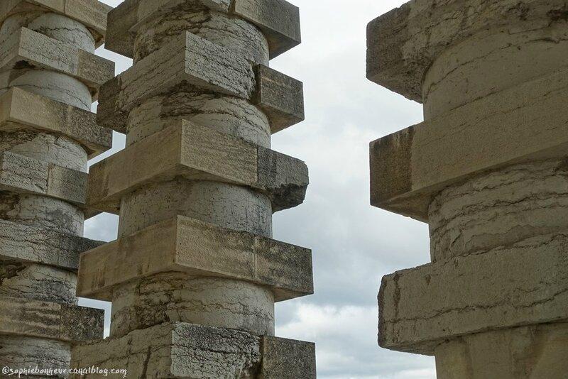 J4 Sal colonnes
