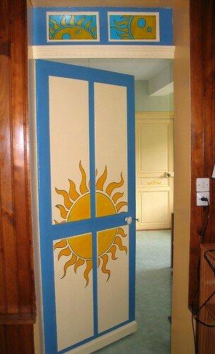 Peinture porte photo de objets deco mobilier l 39 uni - Deco peinture porte ...
