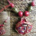 Collier baroque rouge
