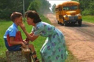Forrest avant de monter dans l'autobus