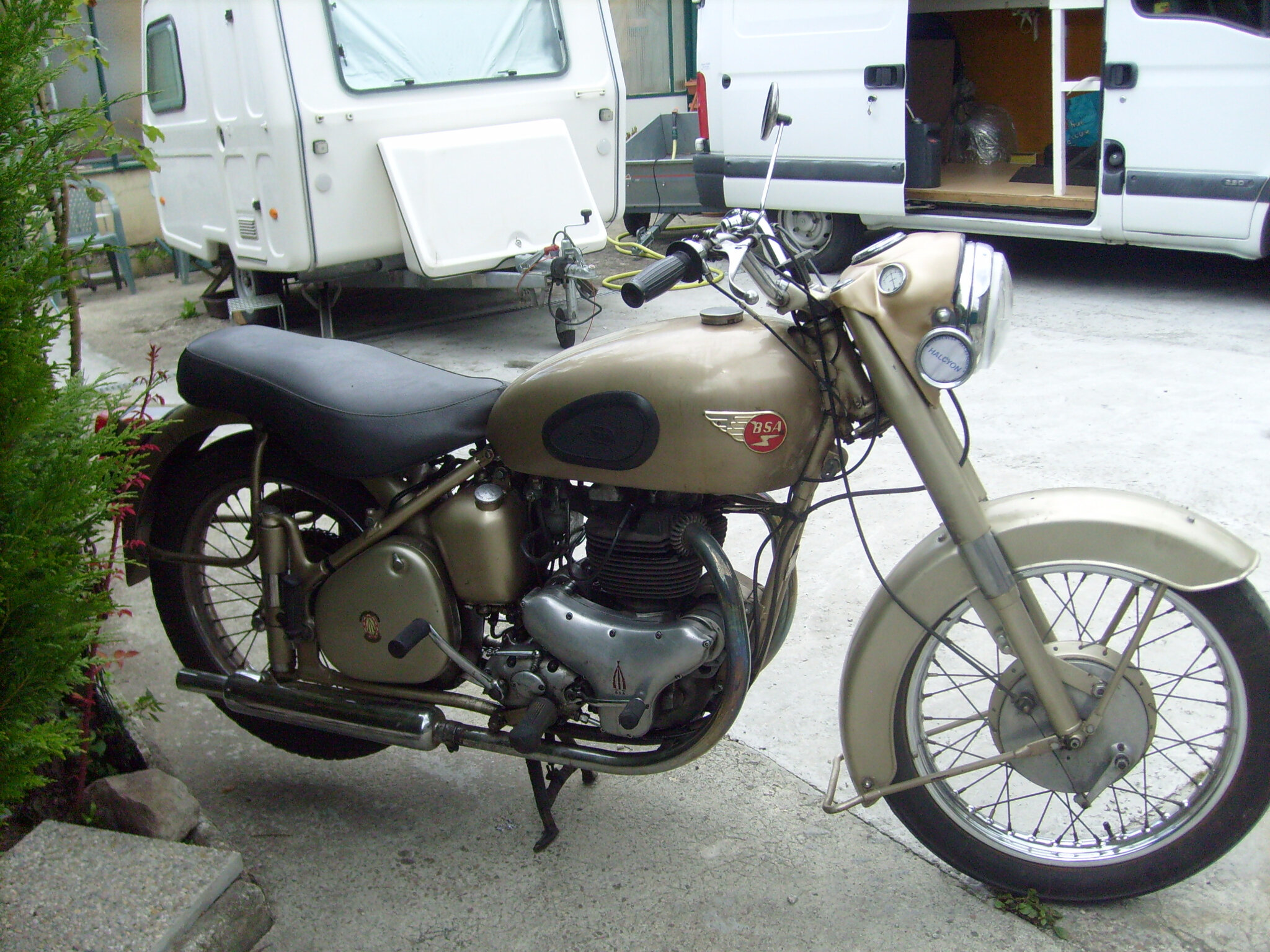 restauration d 39 une bsa a10 de 1953 vieux pistons du cotentin. Black Bedroom Furniture Sets. Home Design Ideas