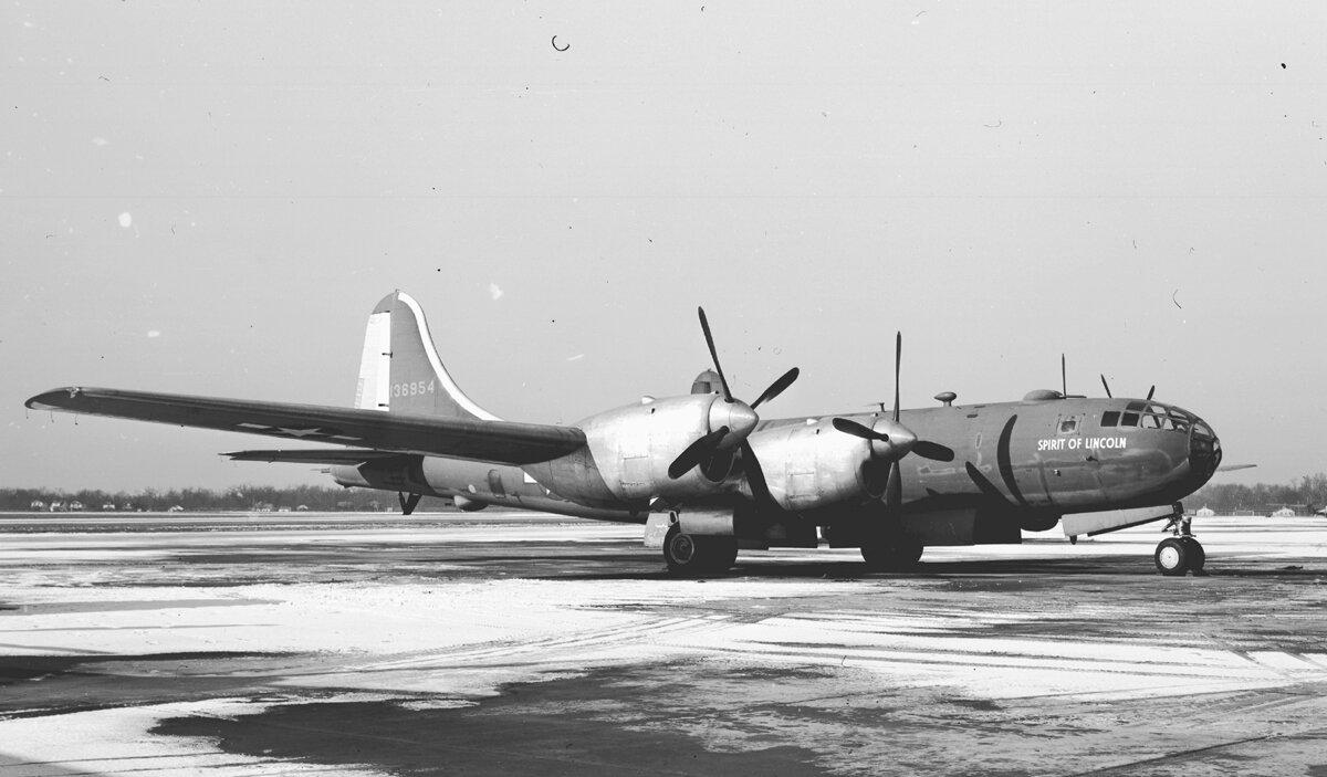 Boeing-GM_XB-39_41-36954_(5412707154)